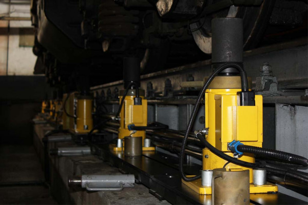 System of Rolling Equipment Load Distribution Determination